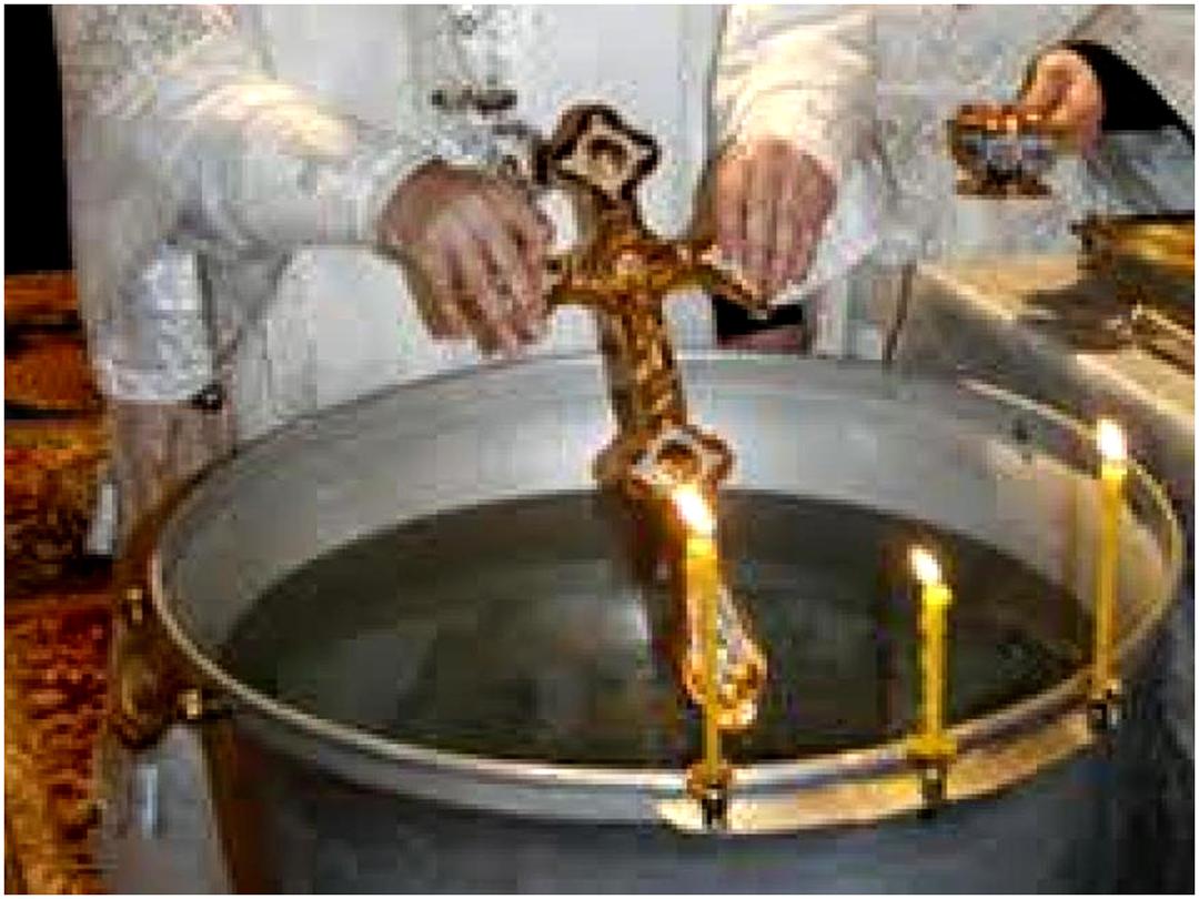 Раздача крещенской воды-1