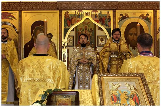Литургия в храме свт. Иннокентия Московского г. Южно-Сахалинска