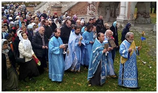 Престольный праздник в храме Покрова в Филях.