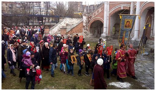 Детский крестный ход в храме Покрова Пресвятой Богородицы в Филях
