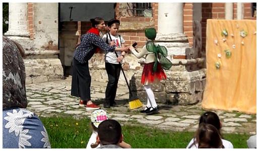 Выступление детского кукольного театра «Филенок»