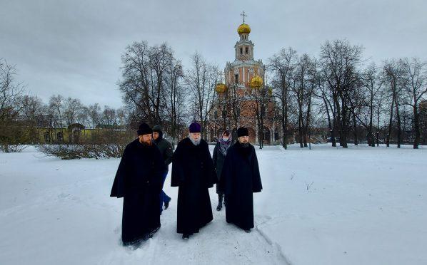 Протопресвитер Владимир Диваков посетил Храм Покрова в Филях