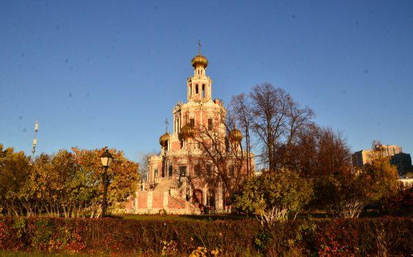 Храмы Москвы открываются для прихожан